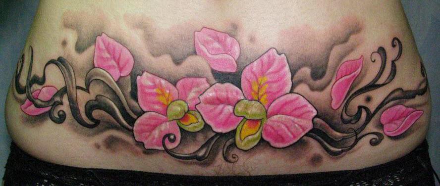 Татуировка для скрытия растяжек