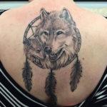 Значение тату волк для девушек
