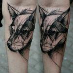 Волк в стиле графика на руке