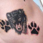 Волк с лапами