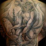 татуировка оборотень на спине